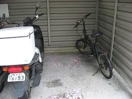駐輪場 (1).JPG