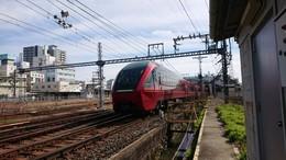旧桑名駅とひのとり.JPG