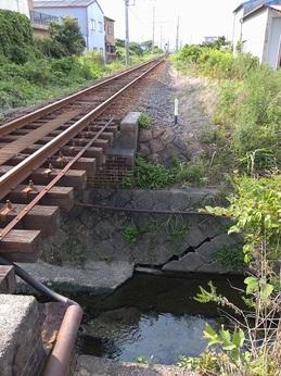 排水路護岸破損.JPG
